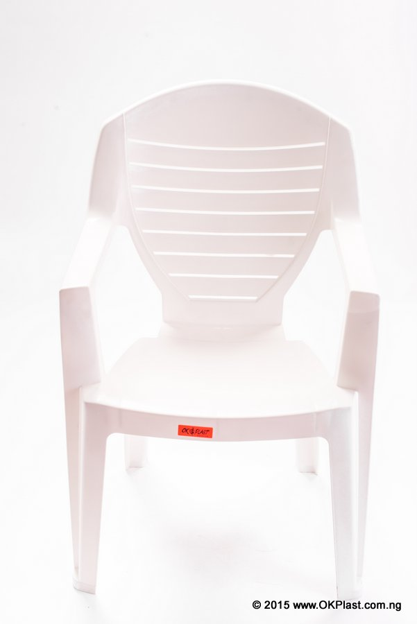 04-Chair Deluxe - White